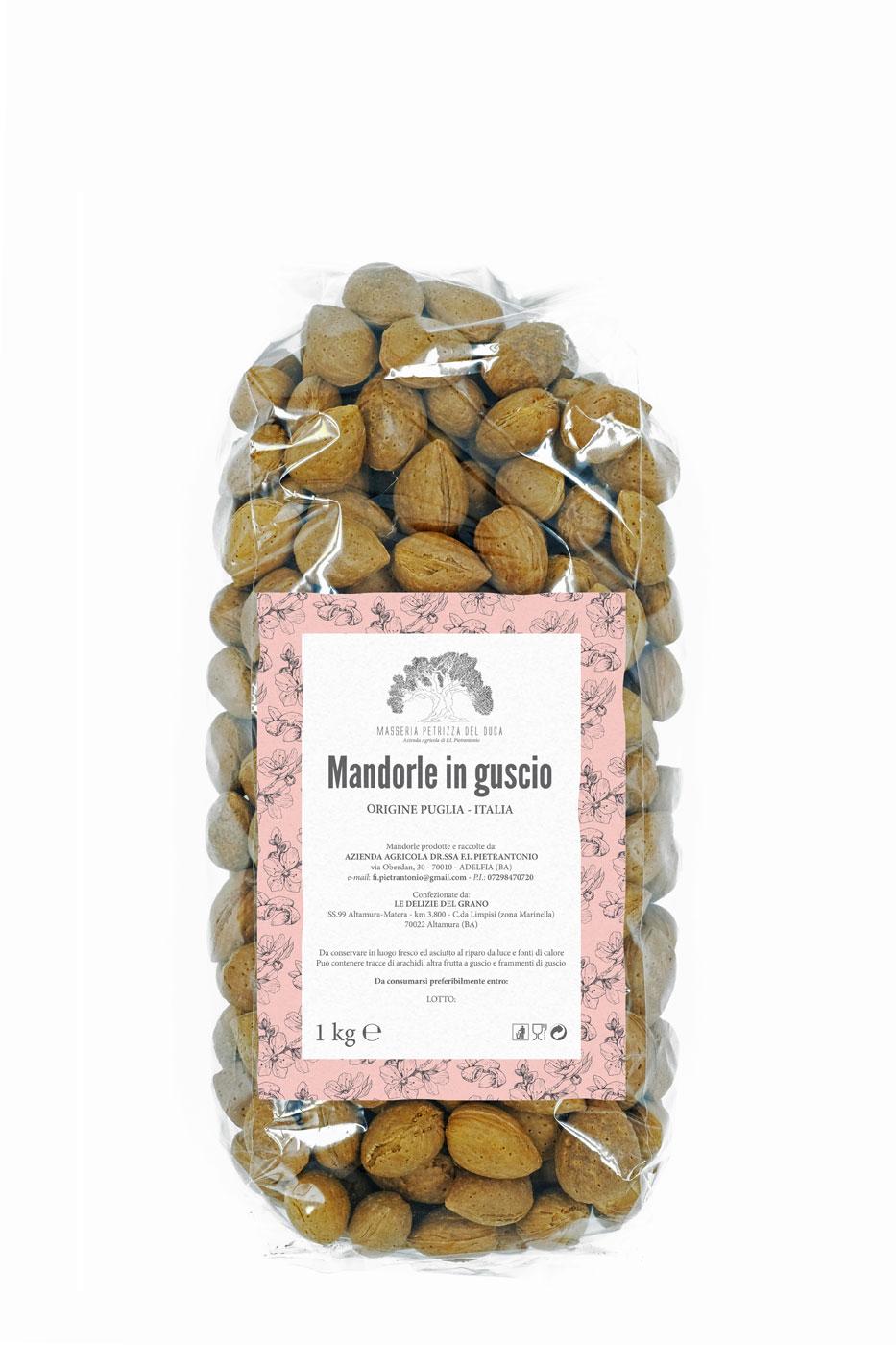 Confezione di mandorle da 1kg in guscio